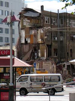 ニュージーランド地震 大聖堂広場