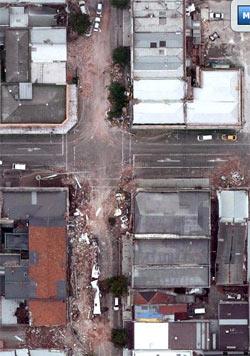クライストチャーチ地震後の衛星写真