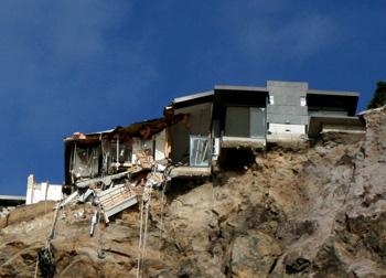 クライストチャーチ地震 サムナーのがけ崩れ