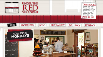 under the red veranda クライストチャーチのカフェ