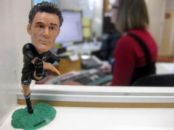 ニュージーランド、ラグビーのオールブラックス選手 ダニエルカーター人形